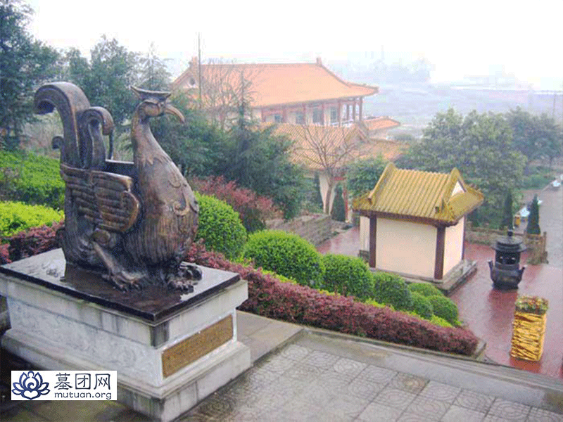 龙台山陵园